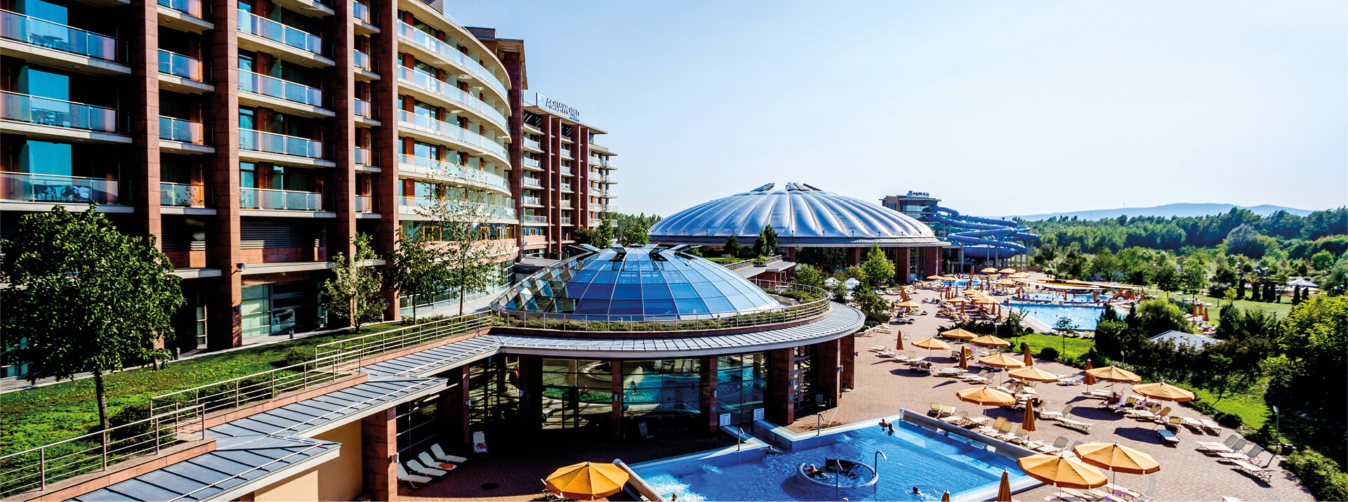 Aquaworld Budapest - huge indoor and outdoor pool park